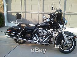 4 point docking kit + Harley Touring Detachable Backrest Sissy bar 09-13
