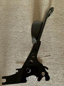 Genuine harley davidson detachables sissy bar 51146-10 with backrest pad